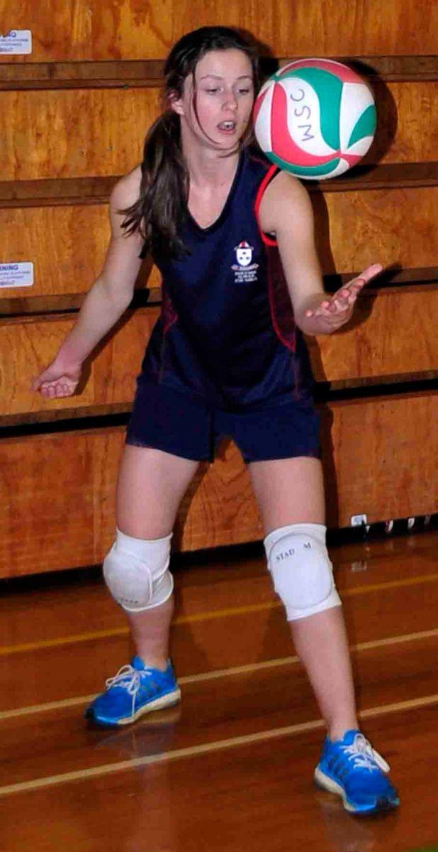 El saque en voleibol (4): Entrenar jugando