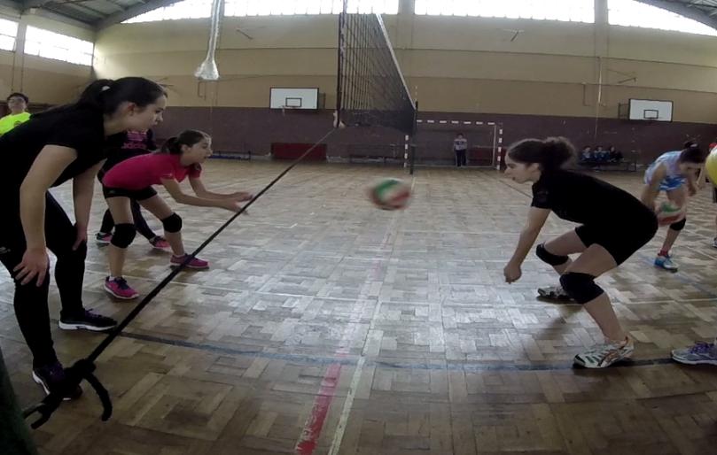 Entrenamiento voleibol infantil